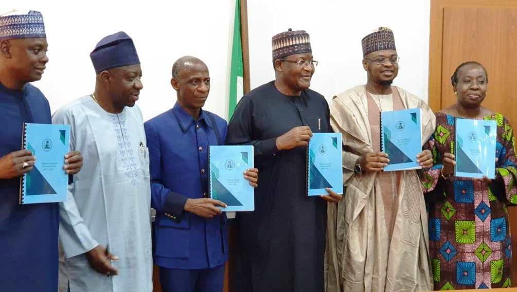 Nigeria's 70% broadband quest gets a boost as Pantami receives C'ttee  report – ITPulse.com.ng